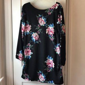 Dresses & Skirts - Floral long sleeve dress large
